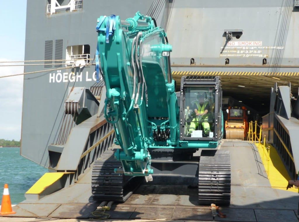 Hoegh Autoliners Unloading Picture